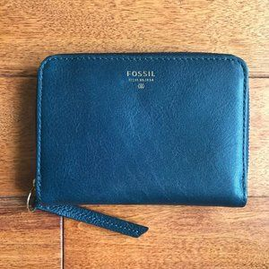 NWOT Fossil leather wallet